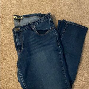 Old Navy Cropped Jean